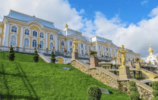 Peterhof-Palace-2